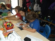1516_Yr 4 and 6 reading buddies (6)