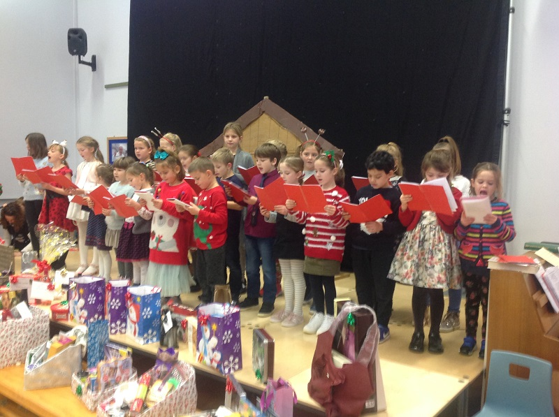 choir at christmas school raffle